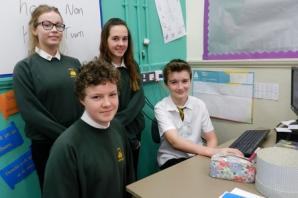 Ysgol Dyffryn Amman history buffs seek help to trace the brave few from the Great War